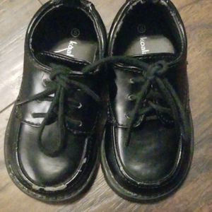 TODDLER BOY SHOES SIZE 5C